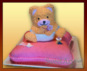 bear on the pillow cake