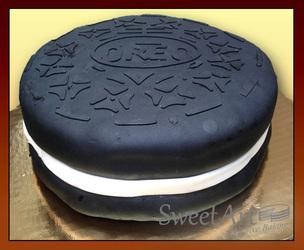oreo shape cake