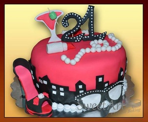fancy shoe and pearls cake