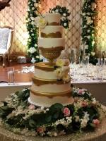 gold elegant wedding cake