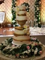 gold elegant wedding cake