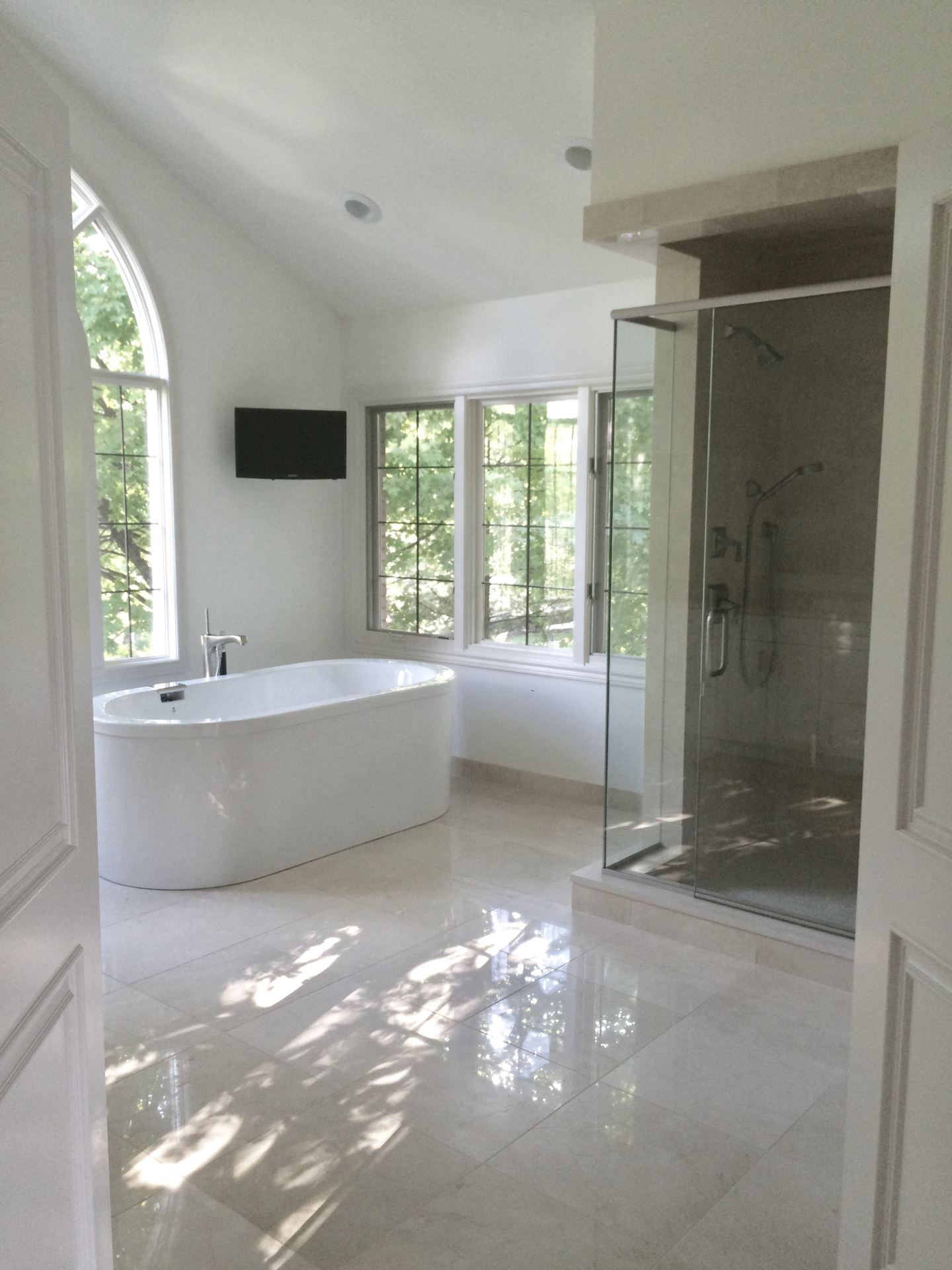 Hidden Lake- Master Bath in Bloomfield Hills