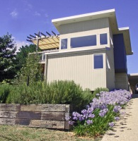 Cornish Hill House designed by sustainable architect Green Point Design. Facade.