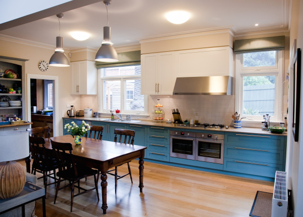 Camberwell House designed by sustainable architect Green Point Design. Sympathetic renovation of Victorian home to suit modern life. Inviting family kitchen.
