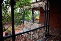 Camberwell House renovation of Victorian home. Designed by sustainable architect Green Point Design. Covered verandah and lacework.