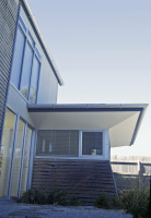 Point Lonsdale House designed by sustainable architect Green Point Design. South facing away room.