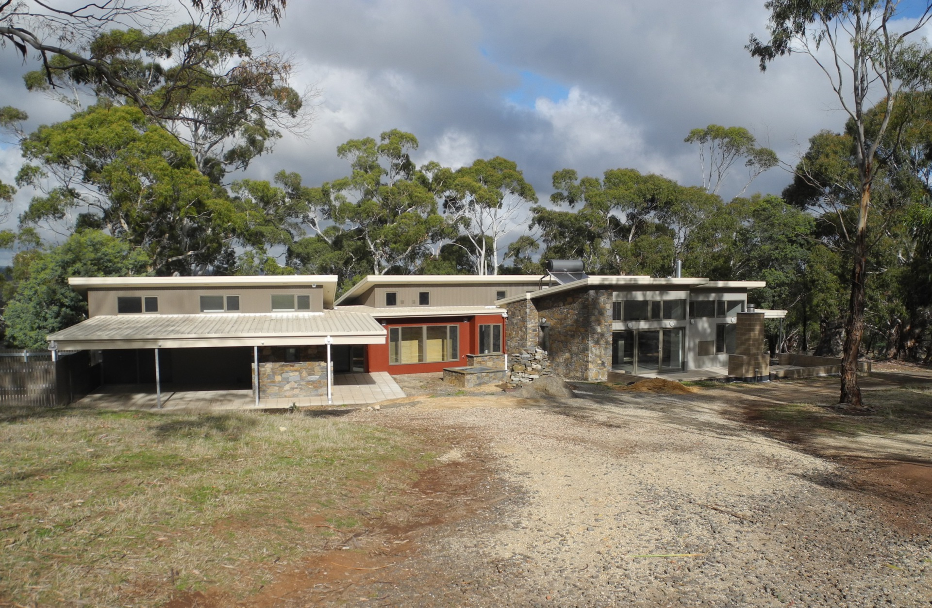 Hepburn House designed for Bushfire Category Flame Zone. Designed by sustainable architect Green Point Design.