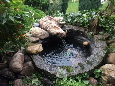 Well Fountain w/bubbler rock