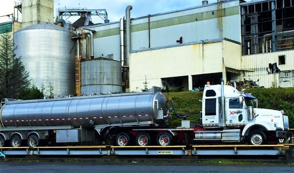 Tri-Axle Truck & Tri-Axle Tanker