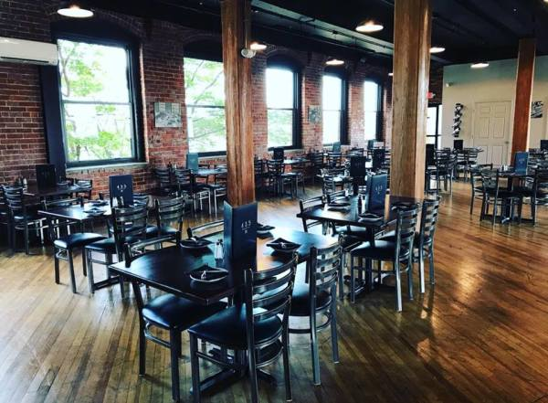 Located on the first floor of the historic Gateway Building, this beautifully reclaimed mill offfers the perfect backdrop for a gathering of friends and family.  Sit back and enjoy our skillfully handcrafted cocktails & deliciously creative menu!