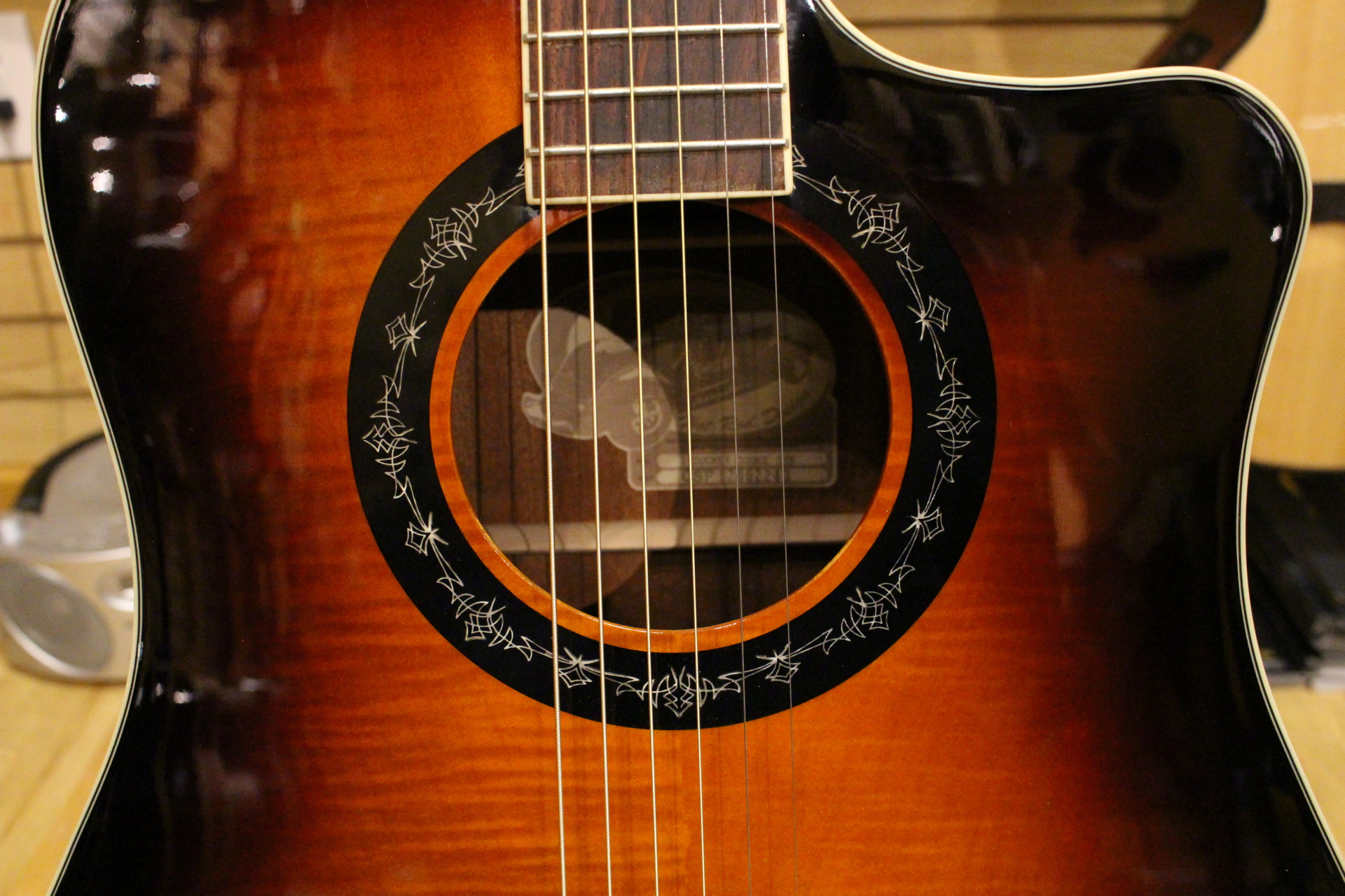 Unique Sound Hole Design!