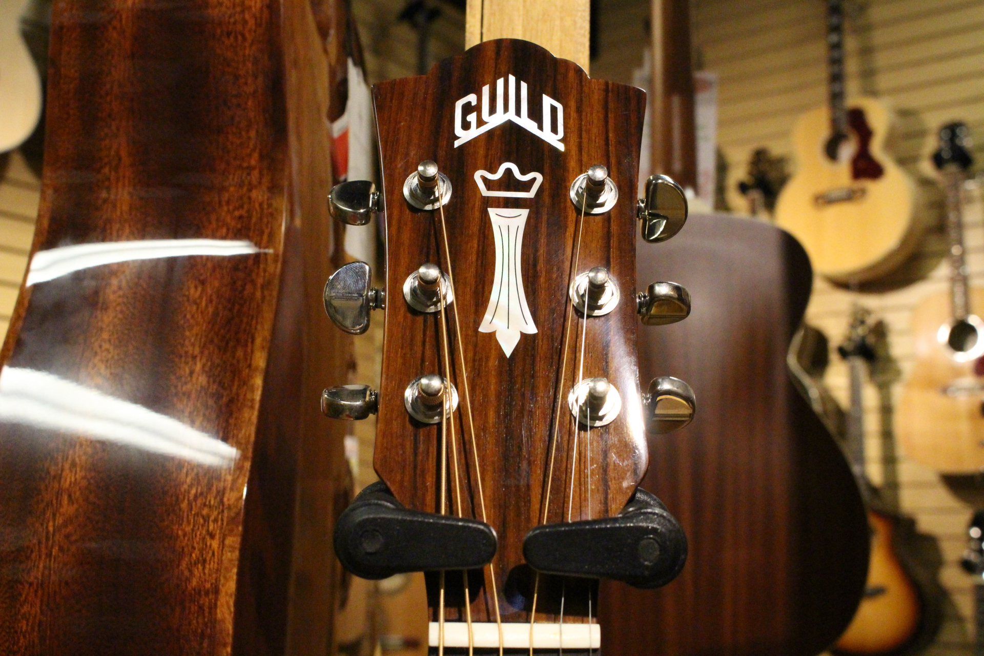 Guild Head Stock