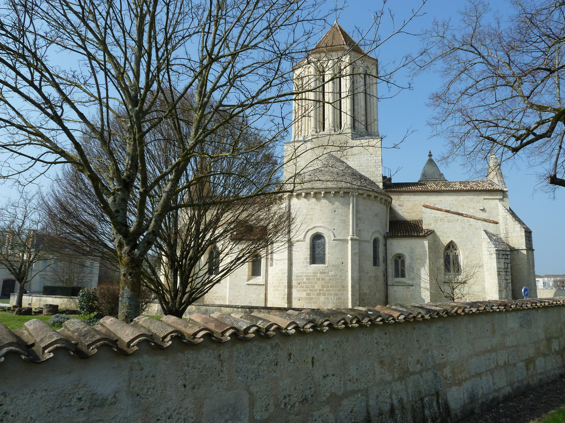 Romanesque Eglise de Notre Dame