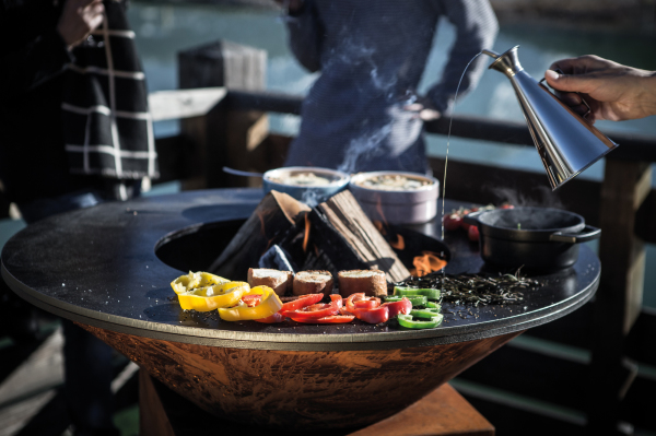 "<Ofyr outdoor cooking bbq.jpg"" alt=""OFYR barbeque, the art of outdoor cooking"">"