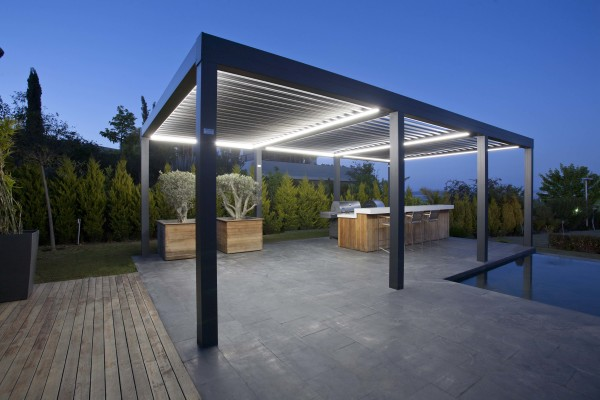 """<bioclimatic retractable pergola.jpg"""" alt=""""Bioclimatic pergola retractable roof system"""">"""