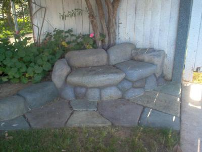 Concrete love seat