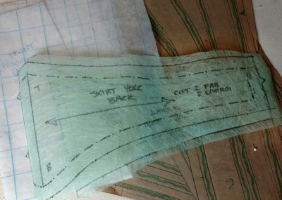 Tracing Patterns : A materials exploration