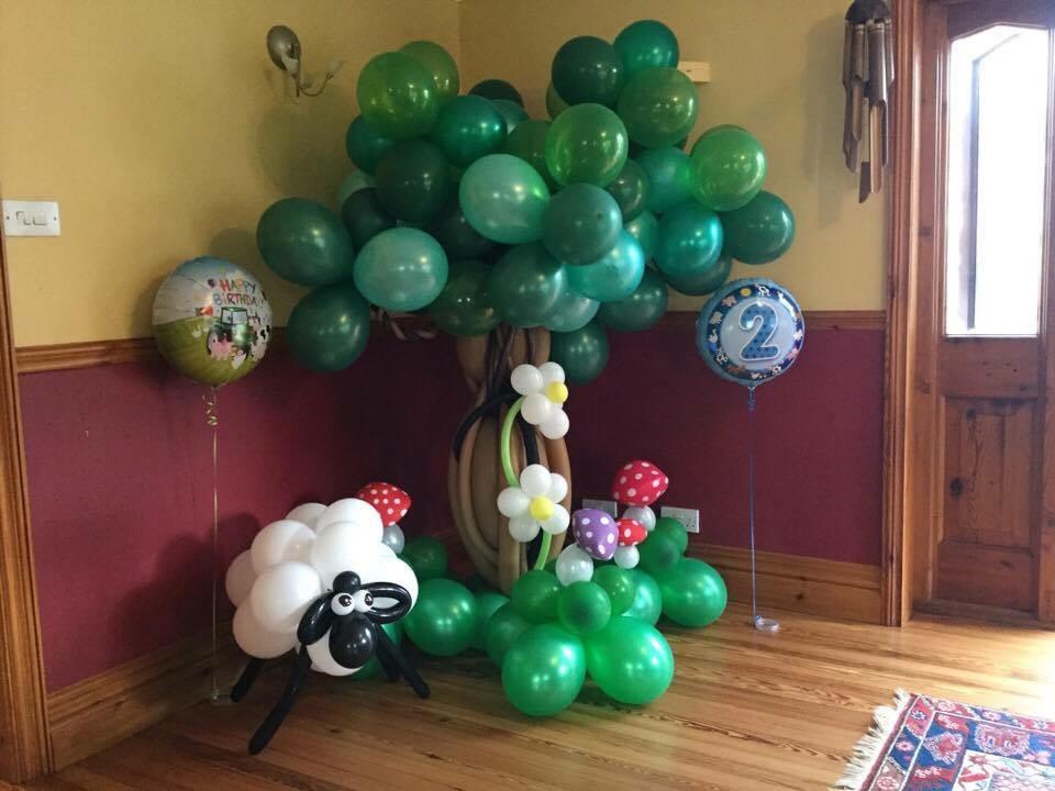 Large balloon tree