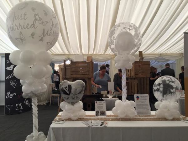 Elm Farm Country House - All displays are air filled