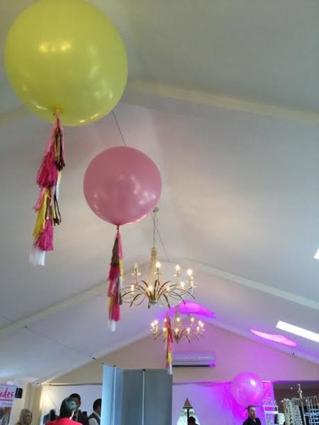 2 ft ceiling balloons