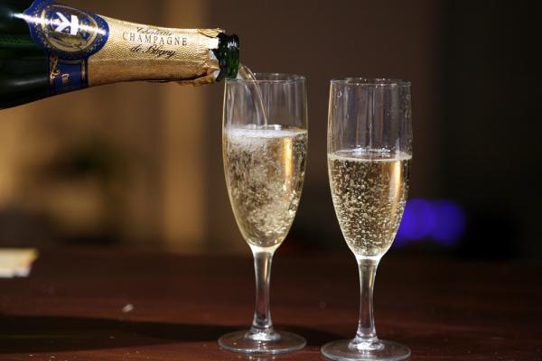 Champagne 'Tea'