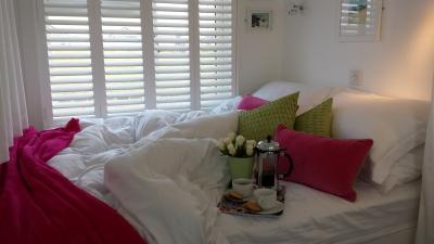 Dunster, luxury, Beach, hut, Salad, Days, Bedroom