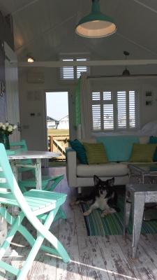 Dunster, luxury, Beach, hut, Salad, Days,