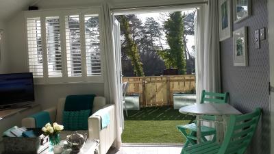 Dunster, luxury, Beach, hut, Salad, Days, view, the, hawn, sitting, room