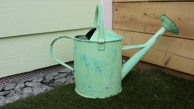 watering, can, Dunster, luxury, Beach, hut, Salad, Days