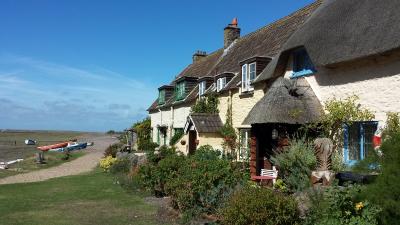 Dunster, beach, hut, salad days, beach hut, chalet, dunster beach. porlock weir
