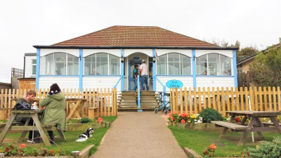 Dunster, beach, hut, salad, days, bedroom, image, beach, hut, chalet, dunster, beach, driftwood cafe, fish and chips, cream tea, blue achor