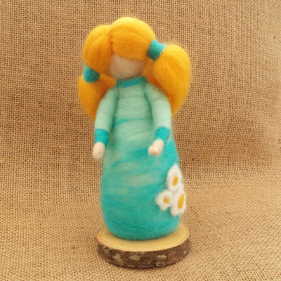 Figure, daisy, The Fuzzy Hut, Needlefelting, Somerset, Etsy