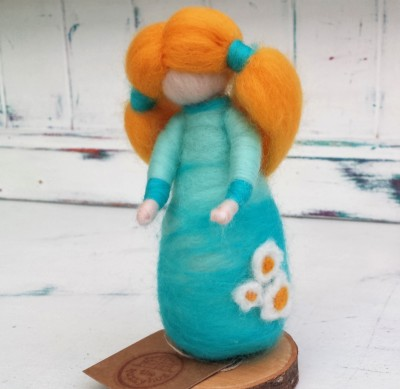 Figure, daisy, The Fuzzy Hut, Needlefelting, Somerset, Etsy