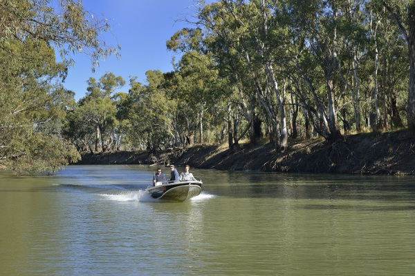 Boating on the Murrumbidgee River at Balranald