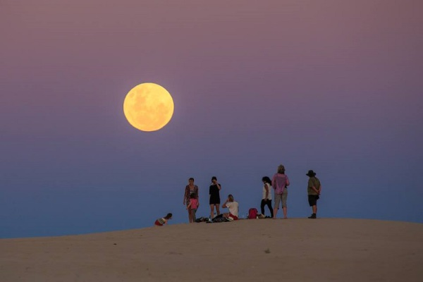 Full Moon Tour at Mungo National Park with local tour operator, Outback Geo Adventures