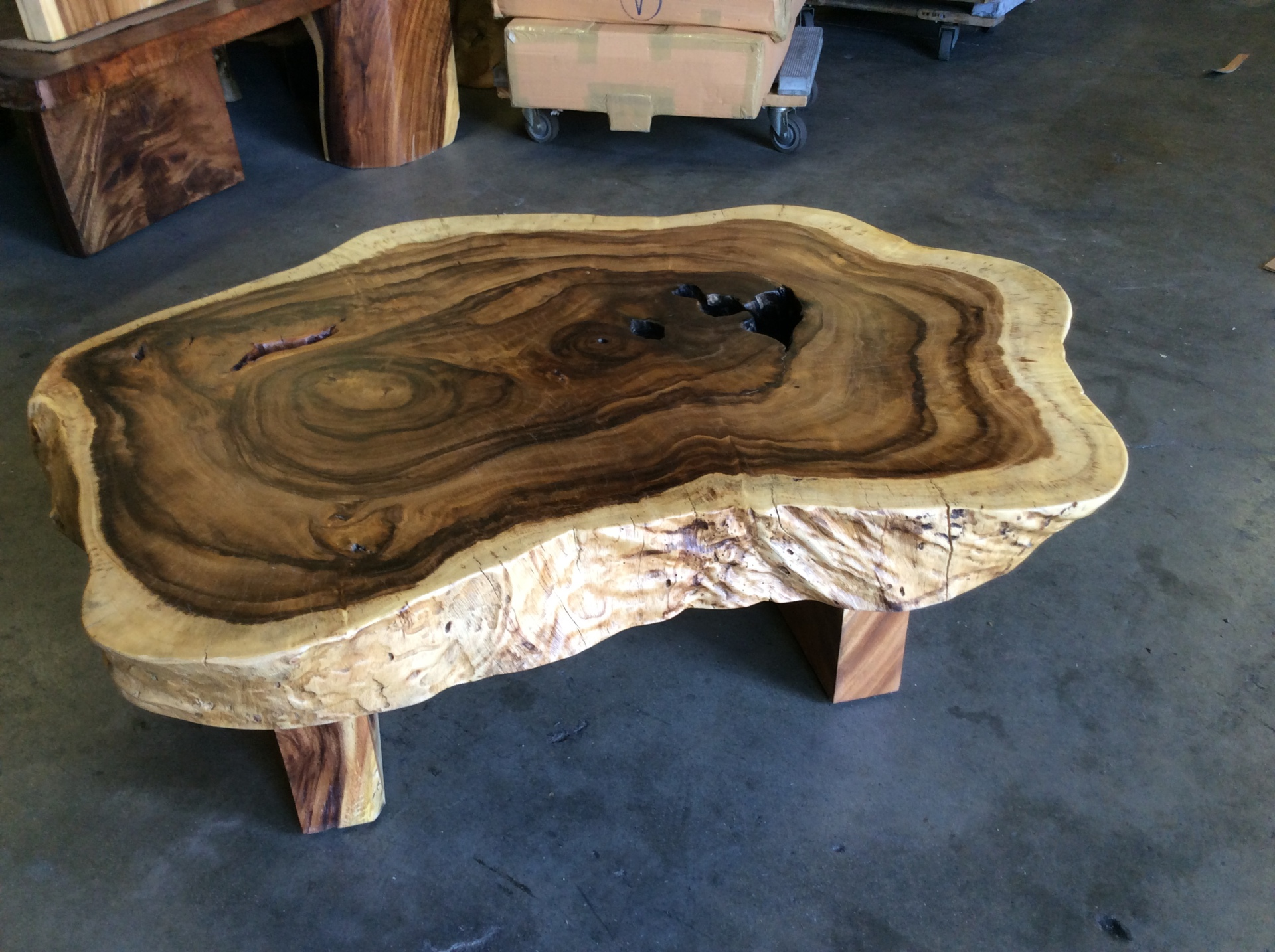 exotic natural wood chunky coffee table ct25
