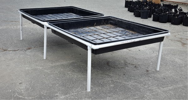 Prototype expandable hydroponics table
