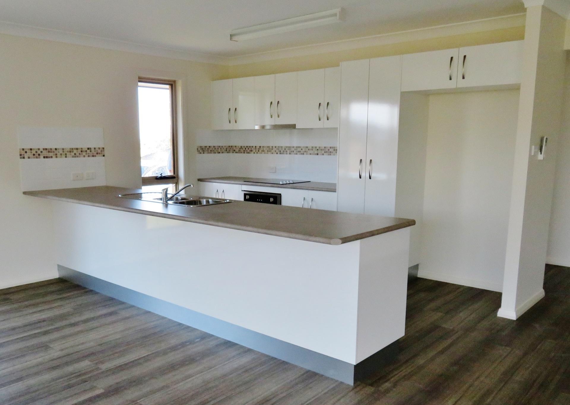 Parkes Kitchen 2