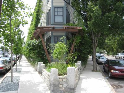 Urban mixed use apartment buidling