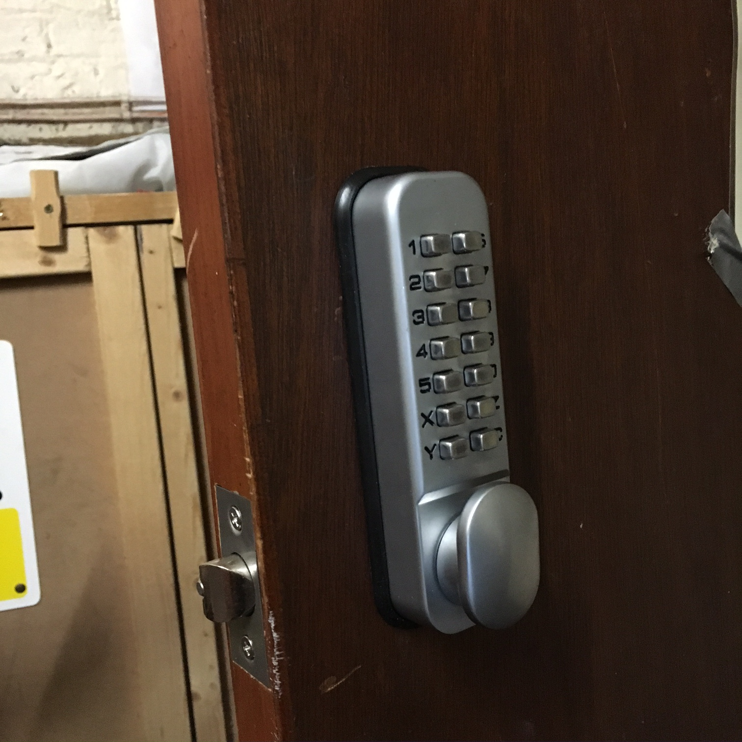 Digital Lock fitted to a business in Elsham