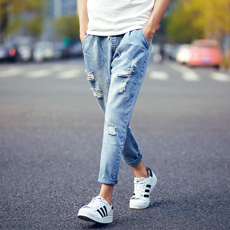 Tips Mendaur Ulang Celana Jeans Agar Tetap Trendy