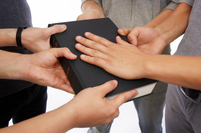 5 Ways to Pray for Your Church