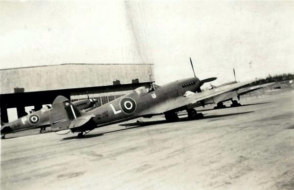 SUPERMARINE SEAFIRE F. MK III carrier based fighter