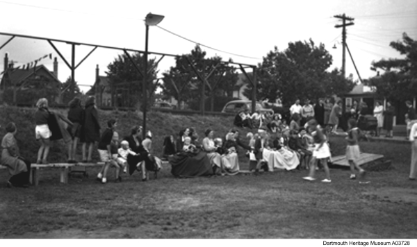 Family Day 1940s