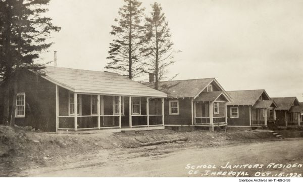 Built in 1917, it was used by the Imperial Oil Plant construction manager. Later it was dismantled and rebuilt as a cottage for the janitor at Imperoyal School. When the cottage was no longer needed, it was moved to the tennis/recreation area and converted to a club house.