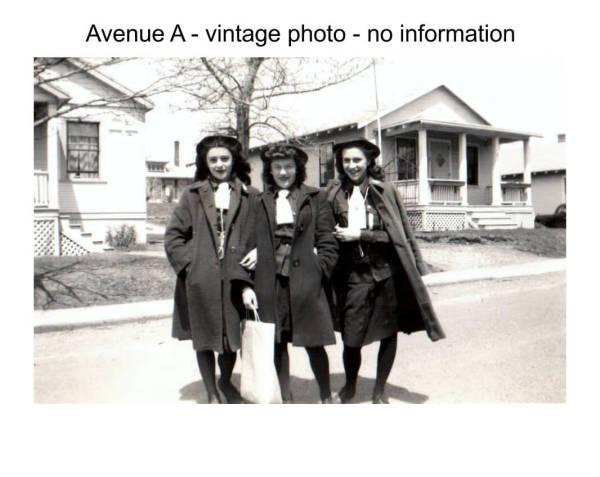 Imperoyal Village Avenue A, Woodside