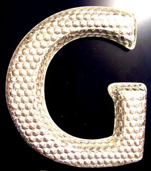 Dimond Moulded Letter