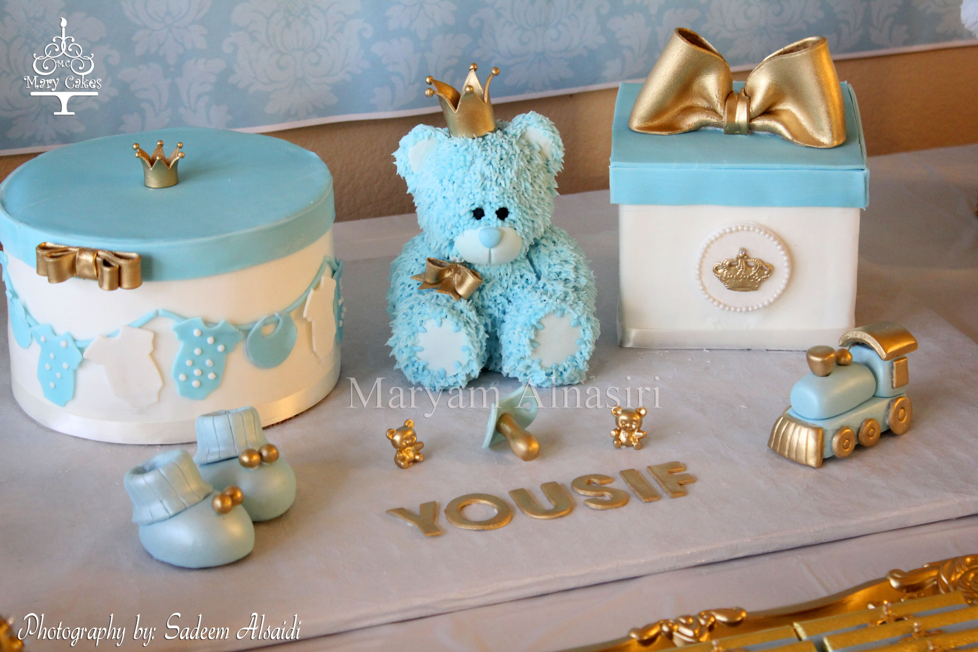 Royal baby shower theme