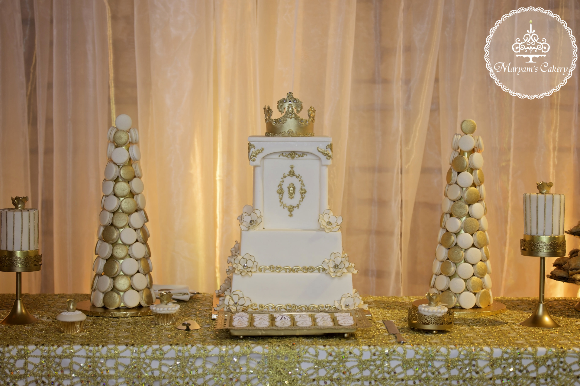Gold and Ivory royal dessert table