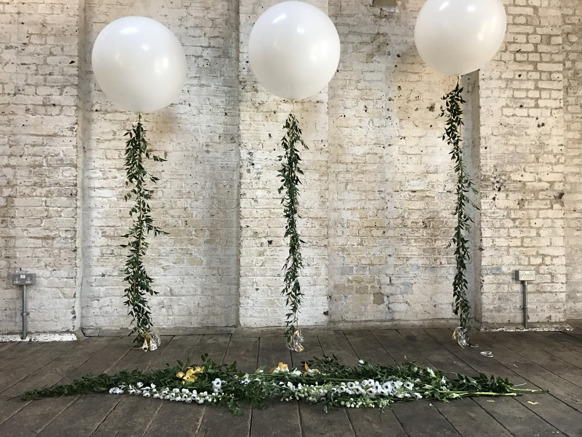 Foliage wedding| green wedding| warehouse wedding | urban florist | foliage balloons